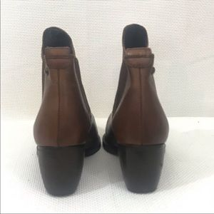 Topshop Shoes - Topshop Chelsea leather ankle booties brown 38/8